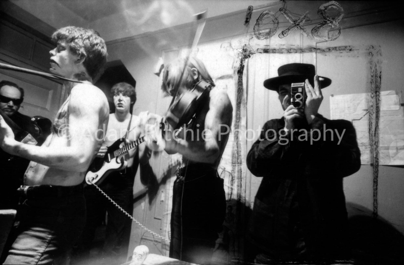 V22-4-33 Chas Stanley, Lou Reed, Sterling Morrison, John Cale and Piero Heliczer with camera